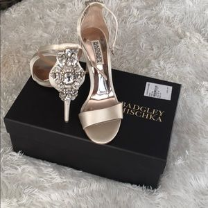 Badgley Mischka size 7 Heels